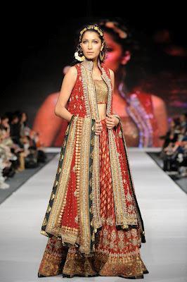 Hina Khan Dress Collection For Women Paperblog