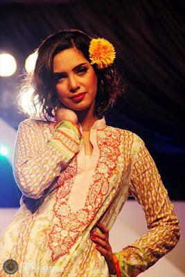 Vaneeza Ahmed V Lawn Summer Prints Complete Collection 2012