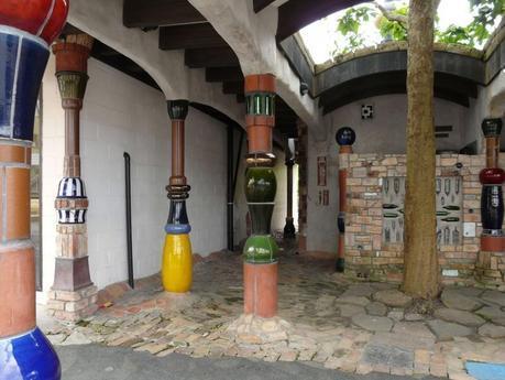 Hundertwasser-toilet-800x600