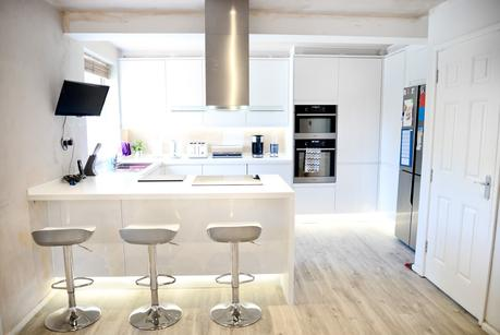 two storey front side extension, kitchen makeover, quickstep livyn, modern white kitchen, clerkenwell gloss hoydens kitchen, breakfast bar, gorenje oven, gorenje island extractor hood, gorenje microwave oven