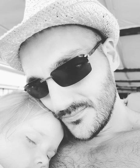 Little nap with my princess Petite sieste avec ma chérie #love #father #daughter #fille #père #papa #dad #sweet #myangel #mylove #princess #nap #sieste