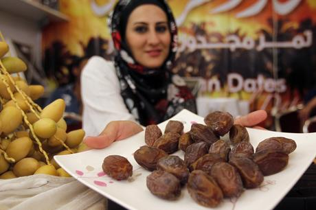 Eat 3 Dates Daily & This Happens to your Body!