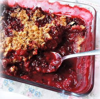 Bumbleberry & Almond Crumble