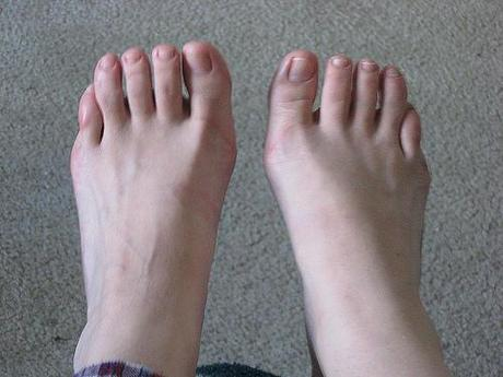 Foot Reading: What Your Toes Reveal