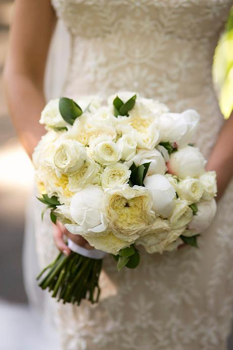 classic-elegant-wedding-white-flowers_23