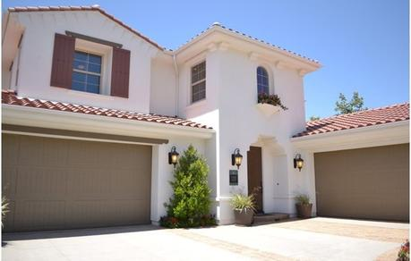 Innovative Ideas For The Garage Door To Enhance The Curb Appeal Of