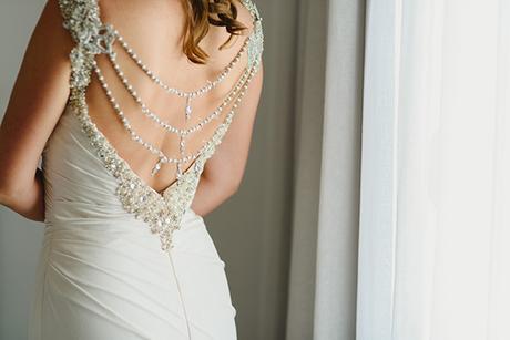 intimate-wedding-minimal-details-santorini_08