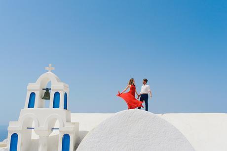 intimate-wedding-minimal-details-santorini_03