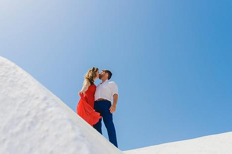 intimate-wedding-minimal-details-santorini_01