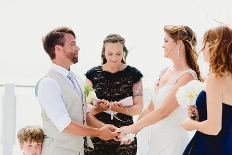 intimate-wedding-minimal-details-santorini_13