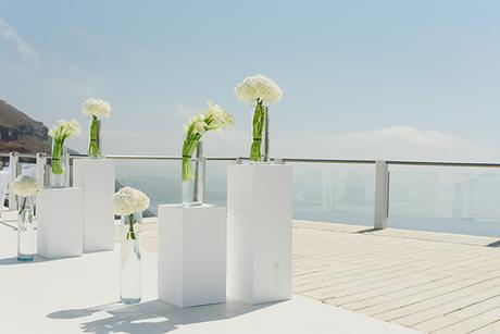 intimate-wedding-minimal-details-santorini_11