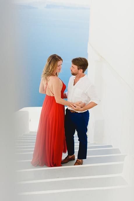 intimate-wedding-minimal-details-santorini_02