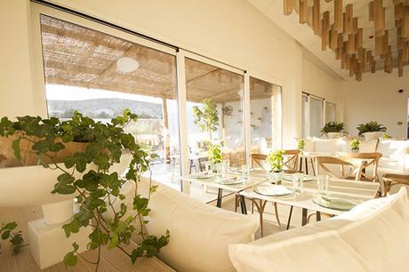 enjoy-relaxing-honeymoon-cyprus_03