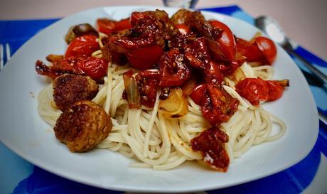 Meatball & tomato lover's spaghetti!