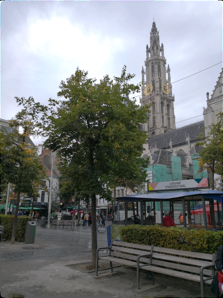 Antwerp memories: buskers and street musicians in Antwerp                                          – a guest post by Dave Llewellyn