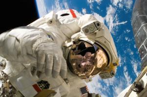 astronaut astronomy cosmos