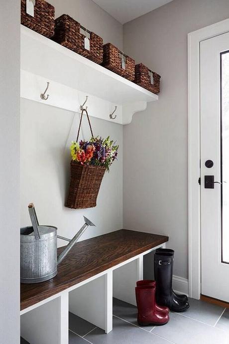 13. Cottage Style Mudroom Ideas - Harptimes.com