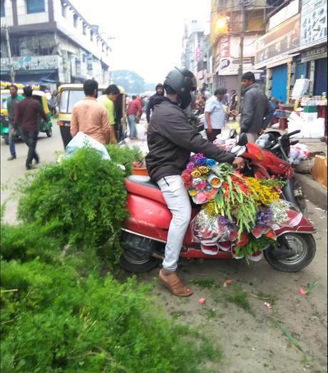Photo essay: Bengaluru flower market, K R Market