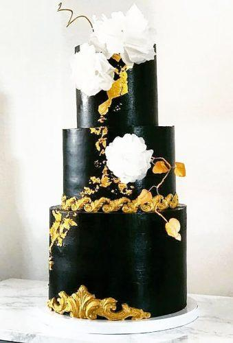 black wedding cake cake with gold whote flower nadinaameenmcq