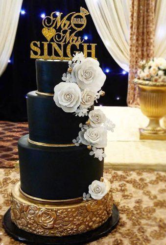 black wedding cake cake with letter cake topper minicakes_v