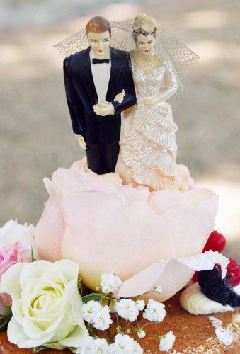 vintage wedding cake toppers vintage dolls authenticlovephotography
