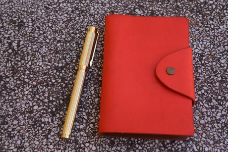 handbook-2947431_1920