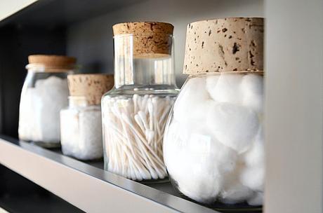 mason-jar-bathroom-storage