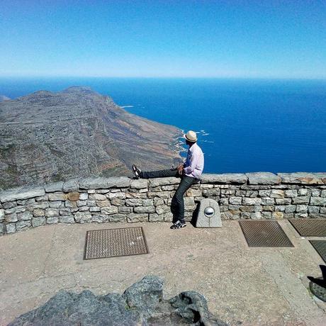 Ugandan travel writer Solomon Oleny. Table Mountain, Cape Town