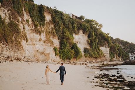 dreamy-wedding-overlooking-sea-bali_24