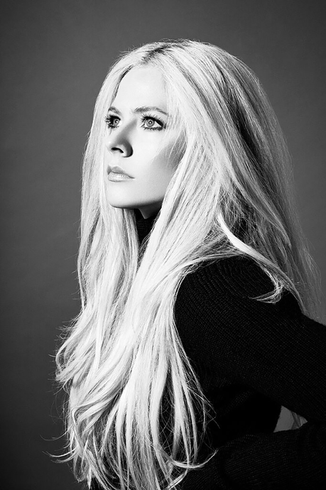 Head Above Water, Avril Lavigne Is Back!