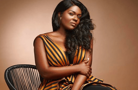 Greenleaf Star Deborah Joy Winans Presenter At The 2018 Dove Awards