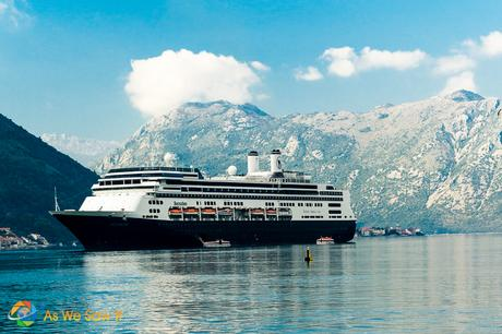 10 Easy Ways to Avoid Getting Seasick on a Cruise