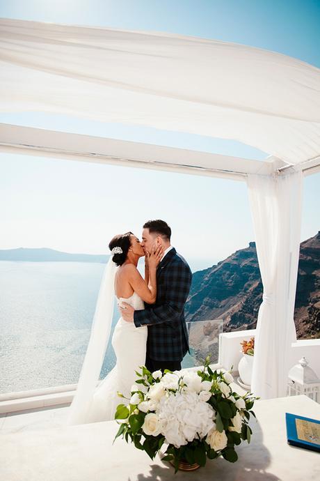 fairytale-chic-wedding-santorini_21