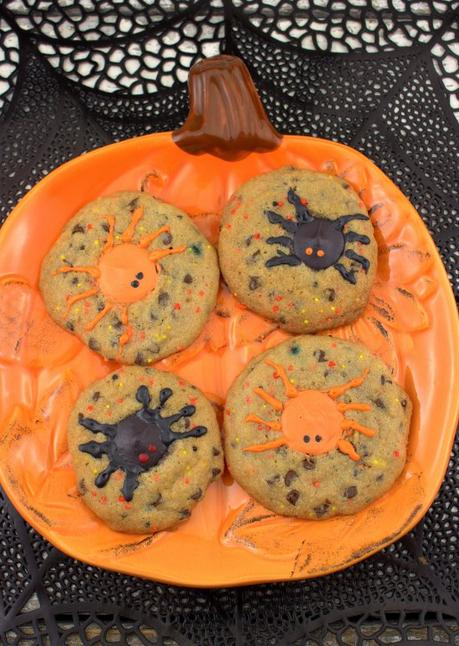 Spooky Spider Chocolate Chip Cookies #Choctoberfest #ad