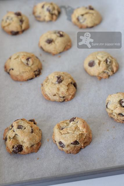 Looking for the BEST Copycat Crispy Famous Amos Chocolate Chip Cookies (Part One - Two recipes)