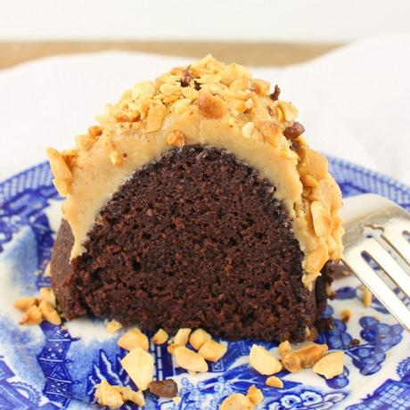 Mexican Chocolate Marbled Bundt Cake #Choctoberfest #BundtBakers