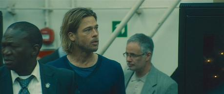 Brad Pitt's Blue Casual Wear in World War Z