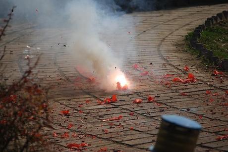 firecracker-fireworks-explode