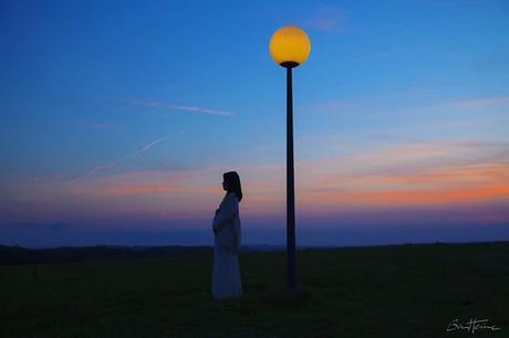 New photo: Moonlight Nouvelle photo: Clair de Lune www.benheine.com #moonlight #clairdelune #rise #woman #pregnant #moon #light #lune #landscape #silhouette #photoediting #photographie #photography