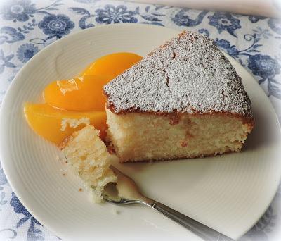 Lemon & Yogurt Cake