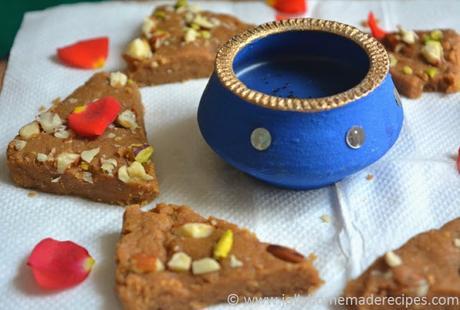 http://www.jollyhomemaderecipes.com/2016/10/gur-papdi-recipe-how-to-make-gud-papdi.html