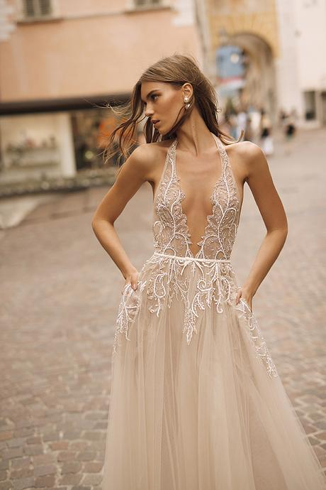 classic-flawless-wedding-dresses-berta_12