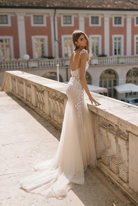 classic-flawless-wedding-dresses-berta_03