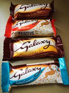 Galaxy Cake Bar Selection Cracker