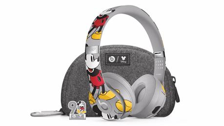 Get The Beats by Dre Mickey Mouse Solo3Wireless headphones Just In Time For Christmas