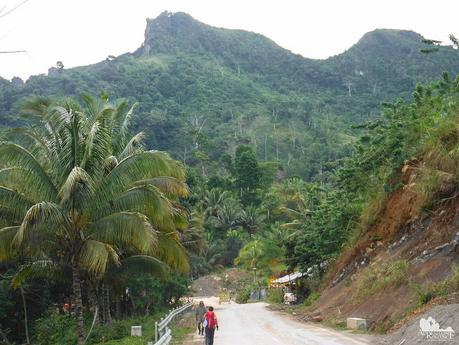 Candongao Peak at the background