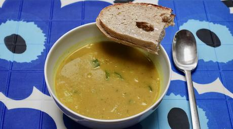 Easy Curried vegetable soup!