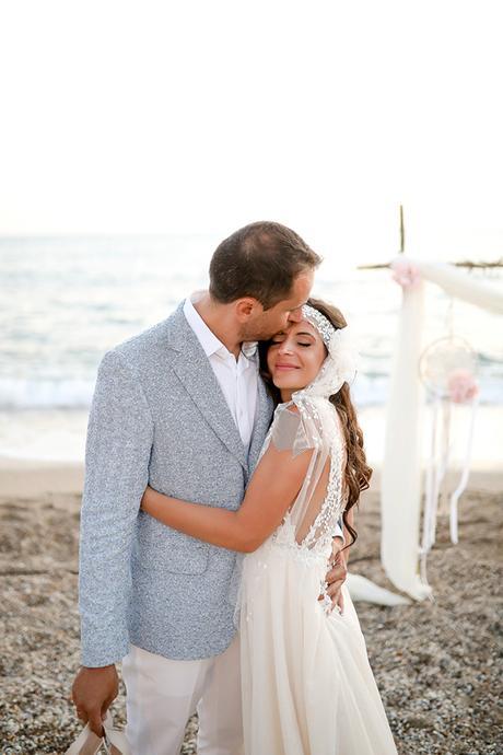 romantic-wedding-dreamcatchers-beach_02