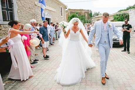 rustic-wedding-white-soft-pink-hues_20