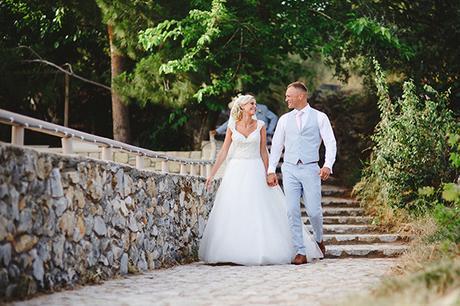 rustic-wedding-white-soft-pink-hues_25